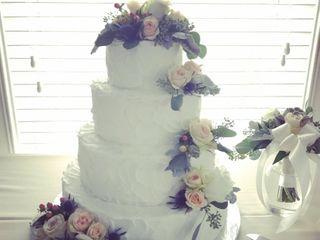 Patricia's Weddings and Custom Cakes 5