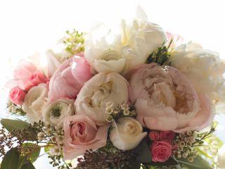 Mott's Floral Design 1