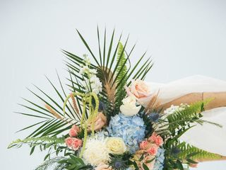 Marco Island Florist  Home & Gifts 6
