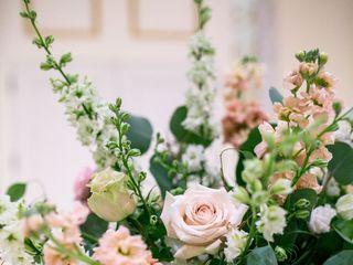 Fleur De Lis Florist 7
