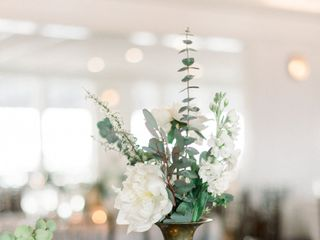 Faye + Renee Floral and Event Design 4