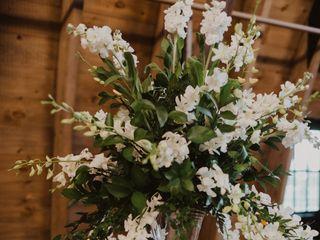 Petal Burst Flower Design Studio 2