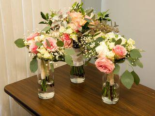 Easily Arranged Floral Design 6