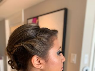 Lizzie Ibarra Hair & Airbrush Make-up Artist 6