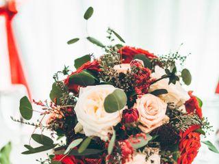 Dream Designs Florist and Wedding Boutique 7