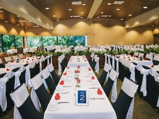 Savannah's Chair Cover Rentals & Events 4