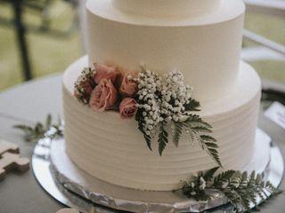 Delish Cakes 1