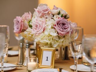 Ultimate Floral Designs 1