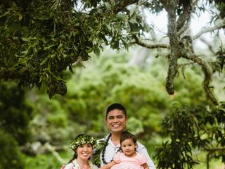 Hawaiian Style Beach Weddings with ALOHA 4