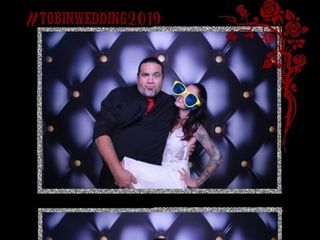 Mirrored Memories Photo Booth 2