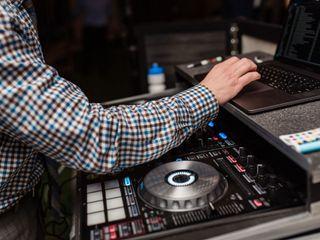 DJ T-Rex 4