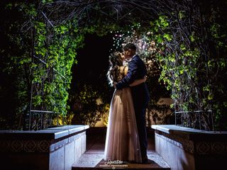 Signature Wedding Photography 1