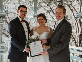 Stephen David Dym Wedding Officiant with WED in NYC 4