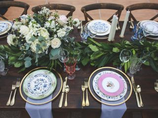 Southern Vintage Table 5