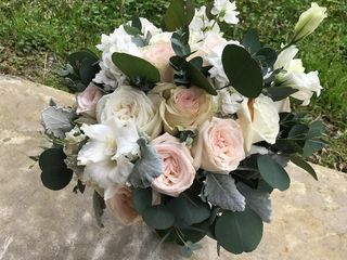Pearls & Roses 2