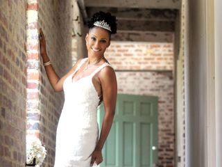 Diva's Boutiqe and Bridal 4