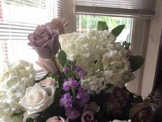 Artistic Floral Design 5