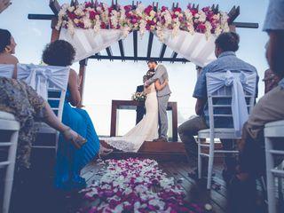 Destinations HD - Honeymoon & Destination Wedding Expert 1