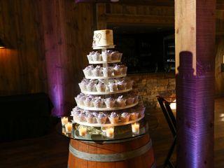 Chickadee Hill Cakes 2