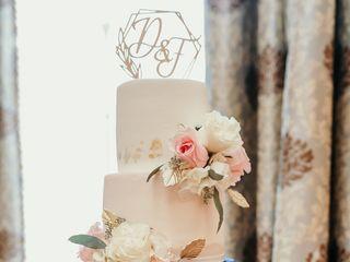 Holly's Cakes LLC 2