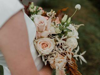Santara Flowers 2