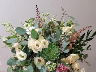 Roni's Roses Floral Design, LLC 2