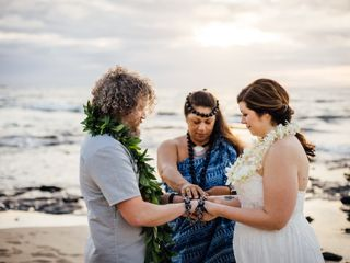 Hawaiian Style Beach Weddings with ALOHA 1