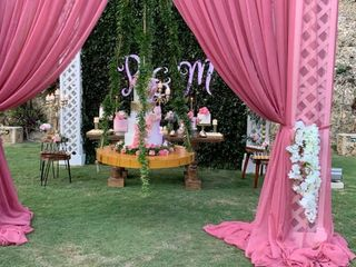 Crazy Flowers Wedding And Event Planners 5