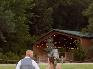 Moore Farms Rustic Weddings & Event Barns 3