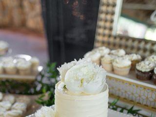 Sweet Promises Wedding Cakes 1