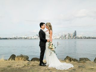 Annemarie Juhlian, Seattle Wedding Officiant & Minister 2