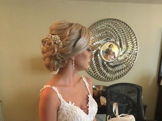 Rochelle Noone On location bridal hairstylist 5