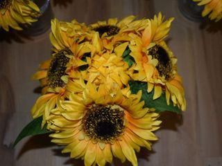 Dawn's Special Memories Wedding Flowers 3