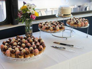 Designer Cakes and Desserts 6