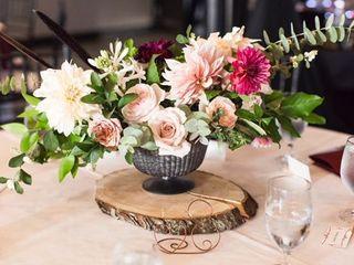 FLORA Wedding + Event Flowers 2