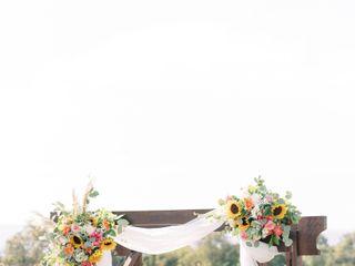 Samantha Greenfield Designs in Floral Artistry 3
