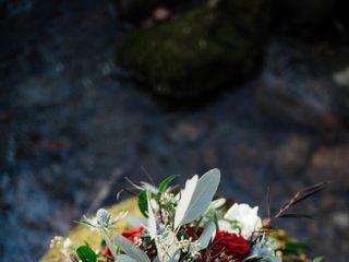 Pine Hills Floral Designs 1