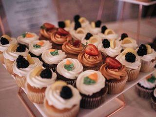 Monzu Bakery & Custom Cakes (Bistro) 4