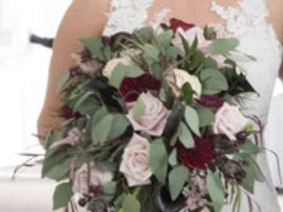 Artistic Floral Design 7
