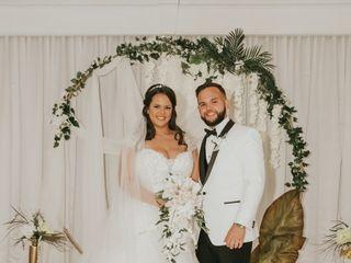Zoom Wedding Studio 3