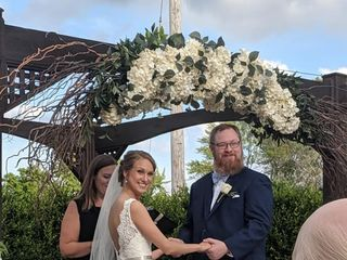 Jennifer Costello Officiant 4