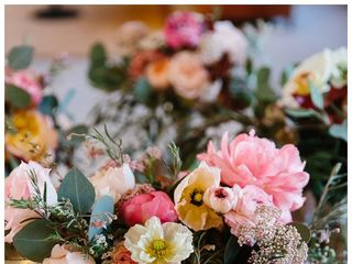Willow & Plum Event Floral and Decor 6