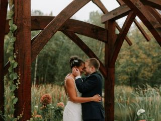 Dixon's Apple Orchard and Wedding Venue 1