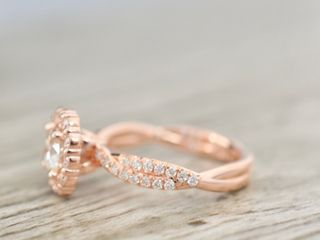 Pavé Jewelers 4