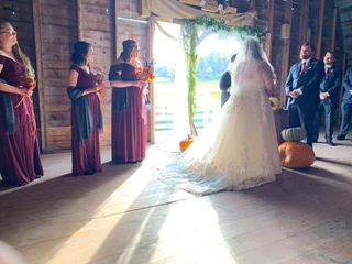 MKJ Farm Barn Weddings 4