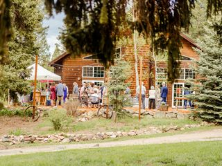 Meadow Creek Mountain Lodge and Event Venue 4