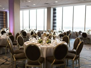 DoubleTree by Hilton Hotel Chicago - North Shore Conference Center 3