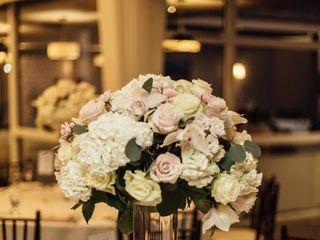 Cali Bouquet 2