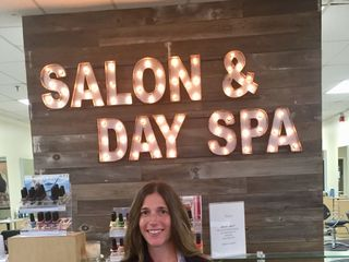 Naviina Salon & Day Spa 1