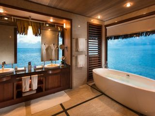 Tahiti Travel Mate 1